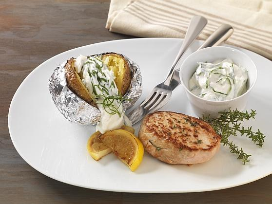 Folienkartoffel mit Bärlauchquark und mariniertem Schweinerückensteak - BCM Diät Rezepte.ch