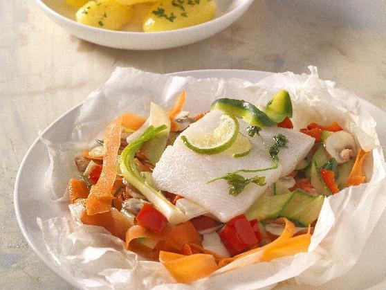 Heilbuttfilet und Gemüse, im Papier gegart, mit Limettensauce - BCM Diät Rezepte.ch