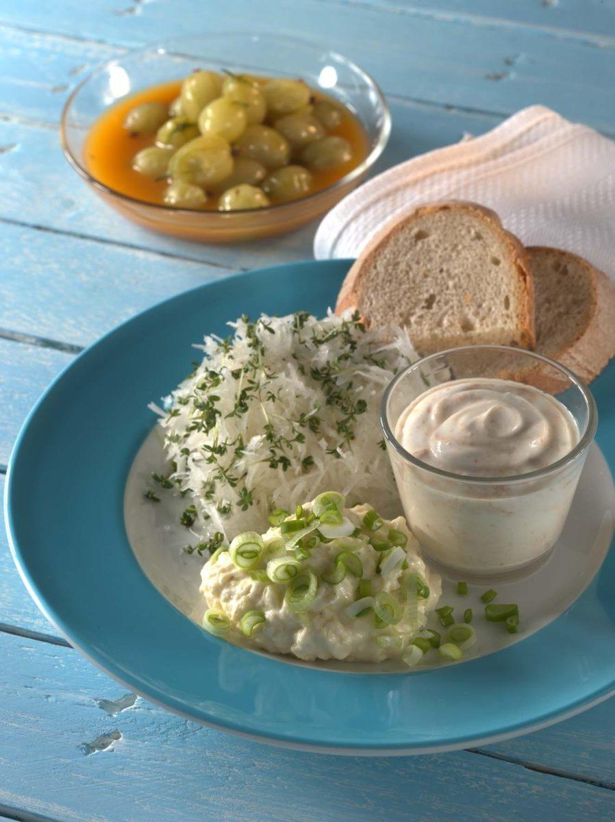 Brotzeit mit Obatzter, Spundekäs und Rettichsalat - BCM Diät Rezepte.ch