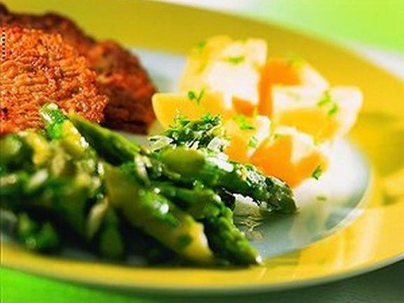 Kalbsschnitzel in Eihülle mit Spargelsalat - BCM Diät Rezepte.ch